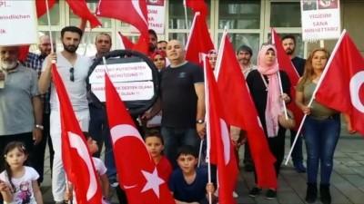 FETÖ'cülere kucak açan Yunanistan Almanya'da protesto edildi - DÜSSELDORF