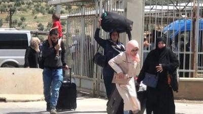 Suriyelilerin bayramlaşmak için ülkelerine gidişi sürüyor
