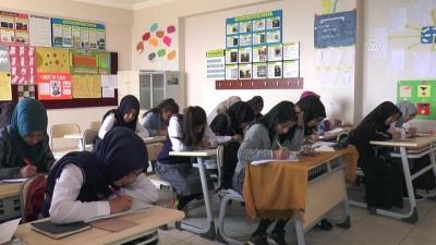 """Terör mağduru öğrencilerle 'Mektup kardeşliği"""" - ŞIRNAK"""