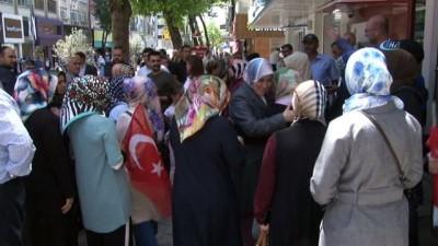 banka hesabi -  Ümraniyeli vatandaşlardan Erdoğan'ın seçim kampanyasına destek