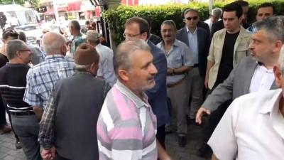 - Hakan Çavuşoğlu: 'Meral, Selahattin için dövdüğü dizini kızı için dövmez'