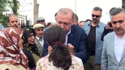Cumhurbaşkanı Erdoğan, Halisdemir'in kabrini ziyaret etti (2) - NİĞDE