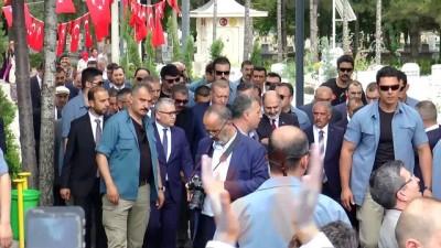 Cumhurbaşkanı Erdoğan, şehit Ömer Halisdemir'in kabrini ziyaret etti - NİĞDE