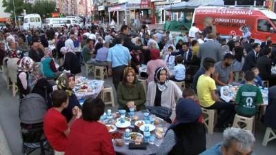 teravih namazi -  - MHP'li Mustafa Kalaycı seçim çalışmalarını sürdürüyor