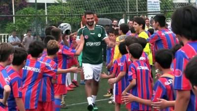 7 profesyonel 50 miniğe karşı futbol maçı yaptı - MUĞLA