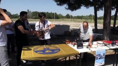 Öğrenciler kendi Drone'larını uçurdu - EDİRNE