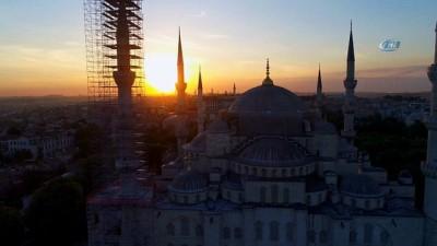 Sultanahmet Camii'nin gün batımıyla birleşen eşsiz manzarası havadan görüntülendi