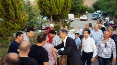 Ak Parti İzmir Milletvekili Adayı Alpay Özalan Tire'de vatandaşla buluştu