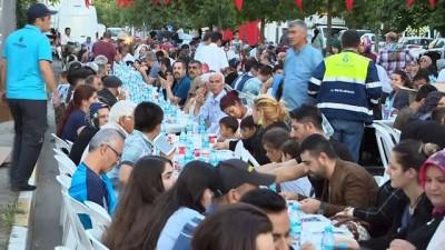 Başkan Uysal: 'Ataşehir'in imar sorununu yakından takip ediyorum'