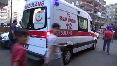 bicakli kavga -  Diyarbakır'da silahlı kavga: 3 yaralı