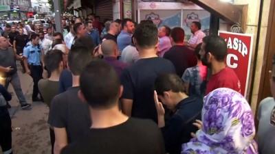 Konya'da zabıta seyyar satıcı kavgası: 2 yaralı
