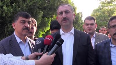 Adalet Bakanı Gül: '(Suruç'taki saldırı) Demokrasi yarışına leke düşüren bir saldırı' - GAZİANTEP