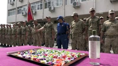 Vali Yaman, güvenlik güçleri ile bayramlaştı - MARDİN