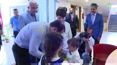 Enerji Bakanı Albayrak kimsesiz çocukları ziyaret etti - İSTANBUL
