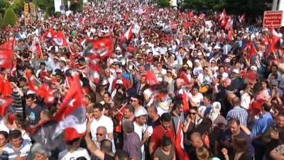 """İnce'ye HDP Bayraklı karşılamaya: """"Hiçbir siyasi parti bayrağı istemiyorum"""""""