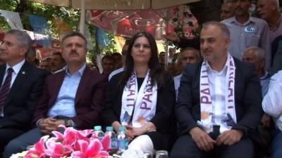 """Bakan Sarıeroğlu: """"'Güçlü bir lider ve meclisle Türkiye'yi hiç kimse durduramayacak"""""""