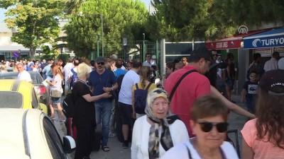 Ege Rivierası'nda turizm yoğunluğu - İZMİR