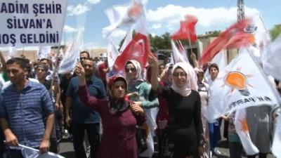 """AK Parti Genel Başkan Yardımcısı Eker: """"Biz diyoruz Türkiye'yi ileriye götürelim onlar diyorlar hayır geriye götürelim'"""