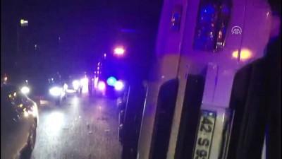 trafik yogunlugu - Bağcılar'da tır devrildi: 2 yaralı - İSTANBUL