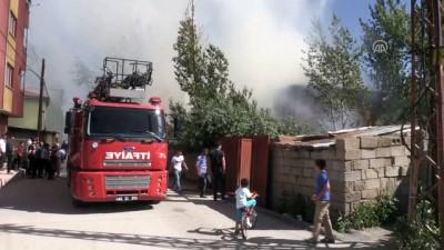 İpekyolu'nda yangın - VAN