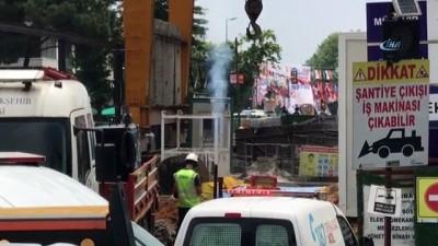 Kadıköy'de doğalgaz çalışması ilginç görüntülere sahne oldu