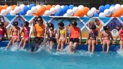 Mahalleye kurulan havuzla lisanslı sporcu oldular