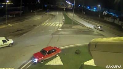 Trafik kazaları MOBESE kameralarına yansıdı - SAKARYA/KOCAELİ
