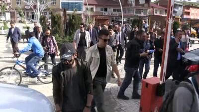 Bakan Arslan, Sarıkamış'ta esnafı ziyaret etti - KARS