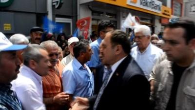 Bakan Eroğlu, Dinar'da vatandaşlarla bayramlaştı
