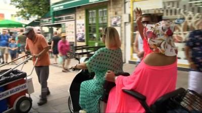 Bülent Ersoy, Bodrum sokaklarını motorla turladı