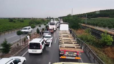 Sağanak sonucu dereler taştı, İzmir-İstanbul yolu ulaşıma kapandı - MANİSA