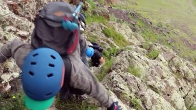 Şehit Mübariz İbrahimov'u Tekelti Dağı'nın zirvesinde andılar - IĞDIR