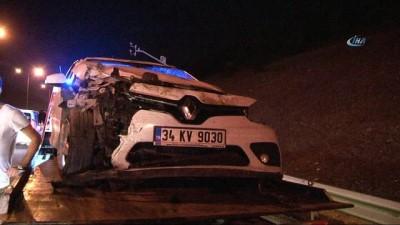 TEM'de trafiği kilitleyen kaza...Otomobil takla attı