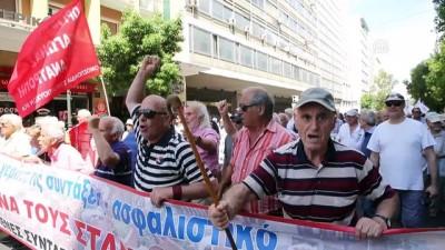 Yunanistan'da emeklilerden 'kemer sıkma' protestosu - ATİNA