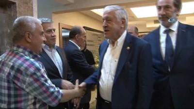 AK Parti'ye Güneydoğu'daki iş adamlarından destekler sürüyor