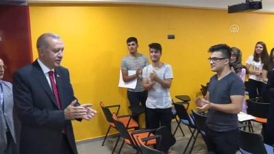 Cumhurbaşkanı Erdoğan, Gençlik Merkezini ziyaret etti (2) - MARDİN