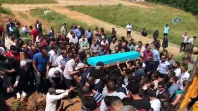 Giresun'daki trafik kazasında hayatını kaybeden 3 genç toprağa verildi