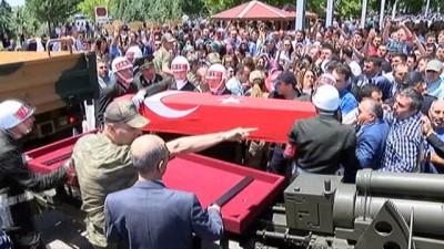 Hakkari şehidi Onbaşı Aliseydi Özdemir son yolculuğuna uğurlandı