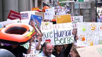 New Yorklular göçmen ve mülteciler için yürüdü