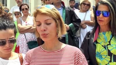 Ünlü sanatçılar Hayvana Şiddete isyan etti