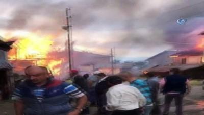yangin yeri -  Kastamonu'da çıkan yangında 7 ev, 3 ambar ve 1 ahır küle döndü