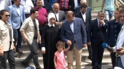 Başbakan Yardımcısı Çavuşoğlu, Bursa'da oyunu kullandı