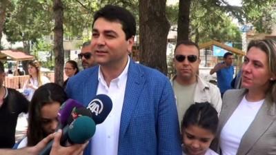 - DP Genel Başkanı Gültekin Uysal, oyunu memleketi Afyonkarahisar'da kullandı