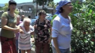 Fatma Girik 95 yaşındaki annesi ile beraber oy kullandı