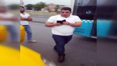 Taksi şoförü, turist çiftin parasını almaya çalıştı