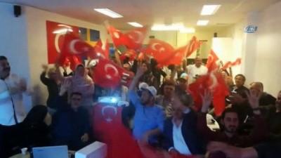 Ak Parti'nin zaferi Stockholm'de ses getirdi