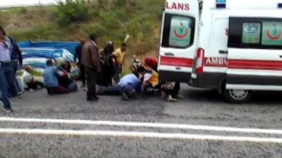 Bursa'da tarım işçilerini taşıyan kamyonet kaza yaptı... Çok sayıda yaralı var