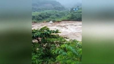 - Vietnam'da Sel Ve Toprak Kayması: 7 Ölü