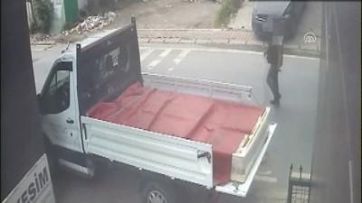 Fatih'te hırsızlık ve kapkaç şüphelisi tutuklandı - İSTANBUL