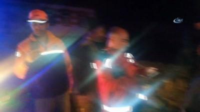 Selde mahsur kalanları AFAD ekipleri kurtardı